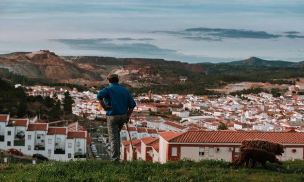Huelva crea oficinas comarcales contra la despoblación
